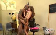 Petite Riley Reid squirts with big black cock