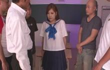 Teen Yura Kasumi facialed in classroom